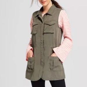 A New Day Cargo Vest in Olive Green